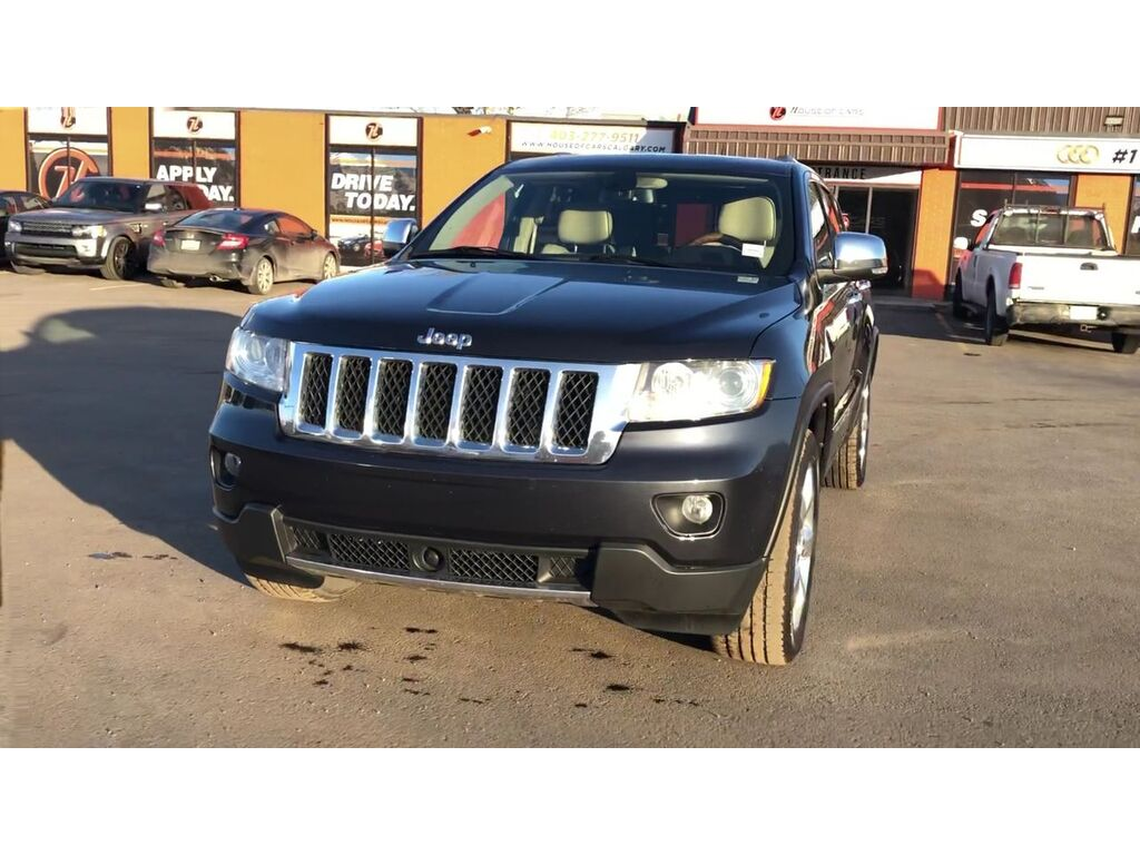 Pre-Owned 2012 Jeep Grand Cherokee 4WD 4dr Overland / Leather / Sunroof / Back up cam