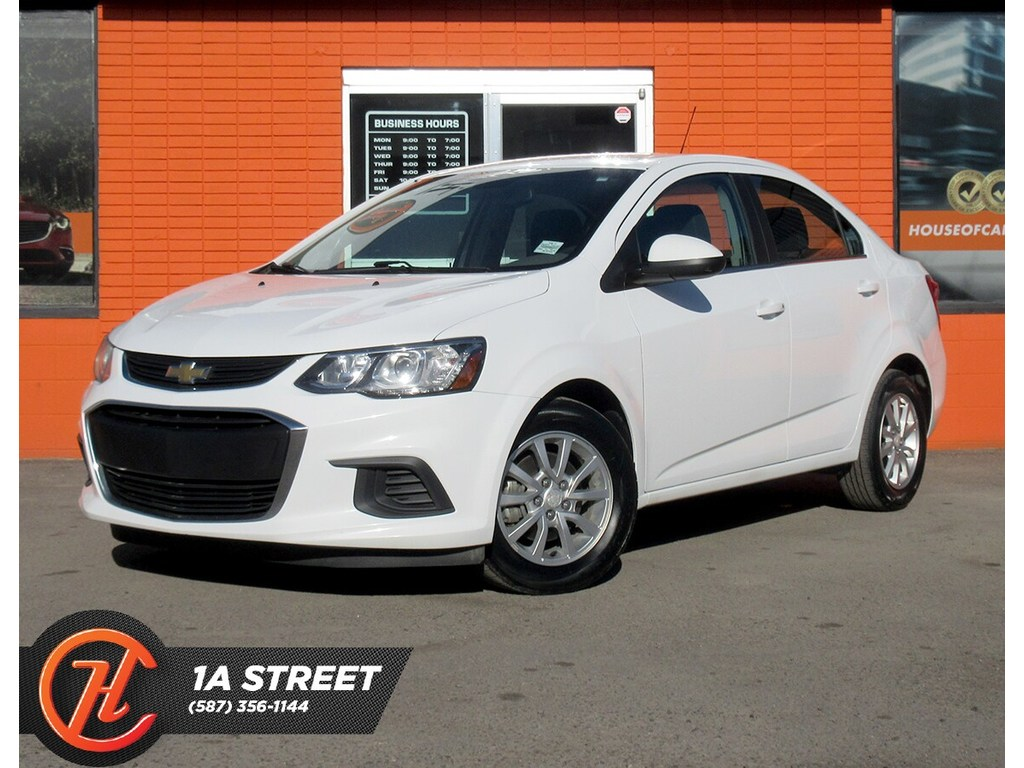 Pre-Owned 2017 Chevrolet Sonic LT Auto/BACKUP CAM/HEATED SEATS/BLUETOOTH/MORE