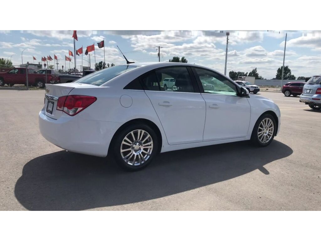 Pre-Owned 2014 Chevrolet Cruze Eco / Back up cam