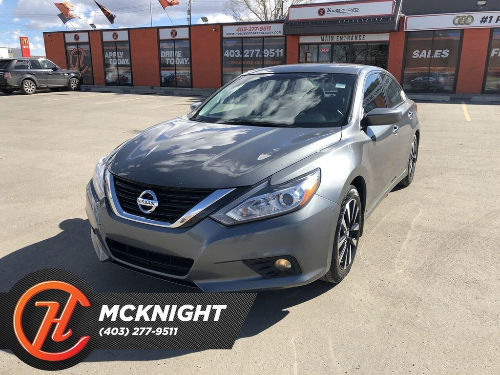 Pre-Owned 2018 Nissan Altima 2.5SV / Sunroof / Back Up Cam