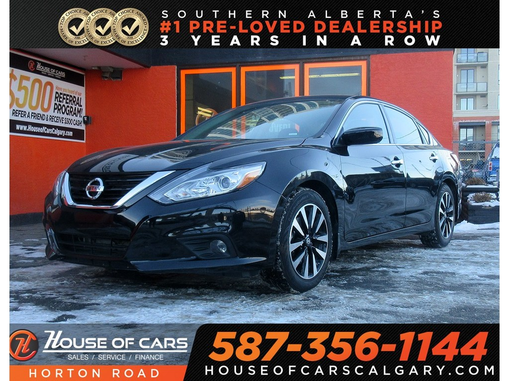 Pre-Owned 2018 Nissan Altima 2.5 SV,sunroof,back camera