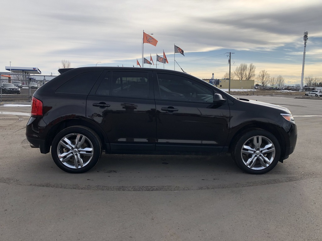 Pre-Owned 2013 Ford Edge Leather / Sunroof / Cam / Nav