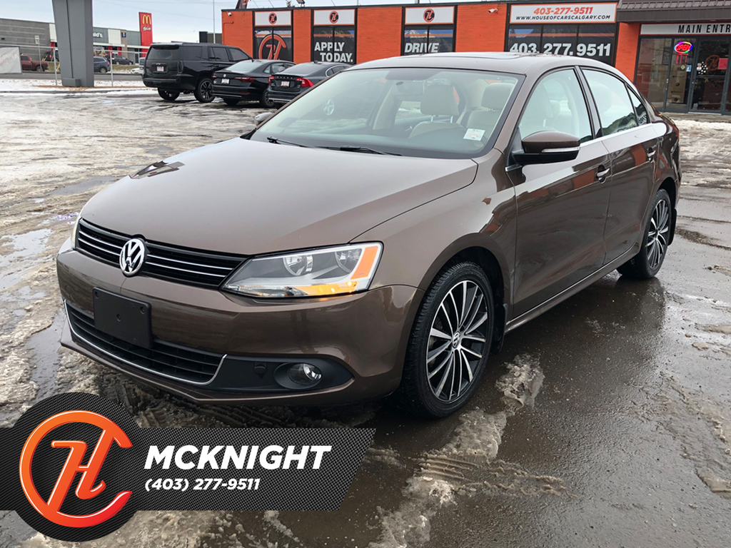 Pre-Owned 2013 Volkswagen Jetta Sedan 4dr 2.0T TDI DSG Highline