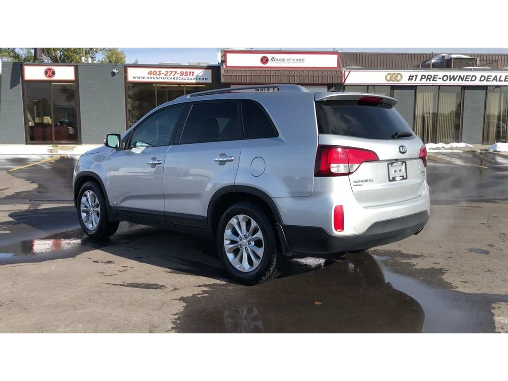 Pre Owned 2014 Kia Sorento EX V6/ Back Up Cam/ Bluetooth