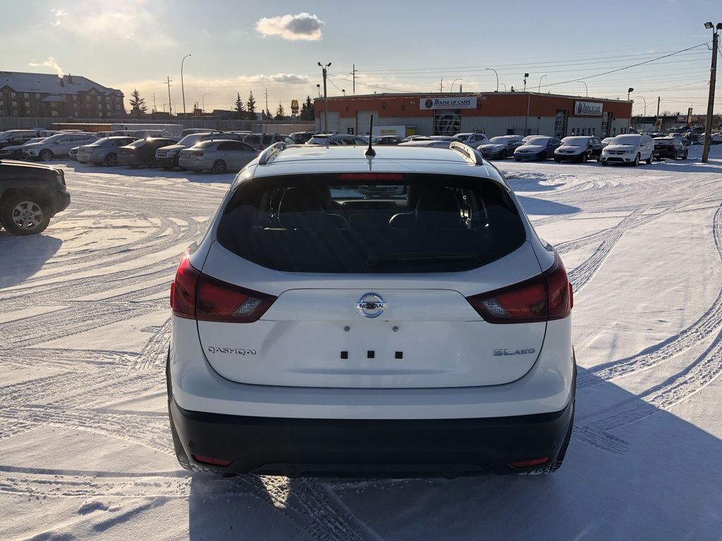 Pre-Owned 2019 Nissan Qashqai AWD SL CVT / Navi / Leather