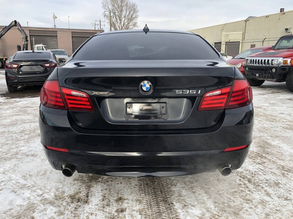 Pre-Owned 2013 BMW 5 Series Leather / Sunroof / Cam / Nav