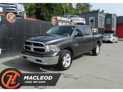 Pre-Owned 2019 Ram 1500 Classic SLT,Backup Camera,Bluetooth,AWD