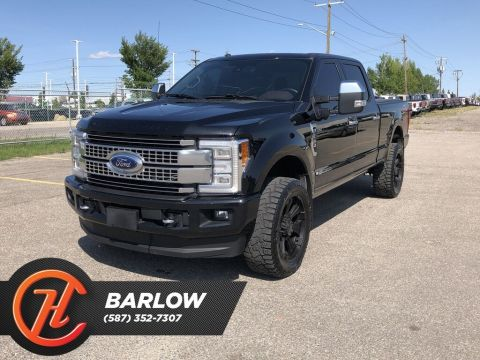 Pre-Owned 2017 Ford F-350 Platinum / Navi / Heated leather and massage seats