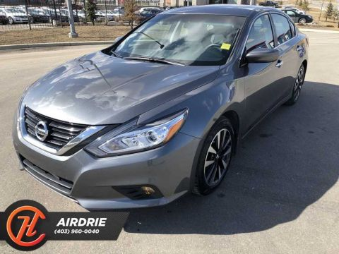 Pre-Owned 2018 Nissan Altima SV W/Sunroof