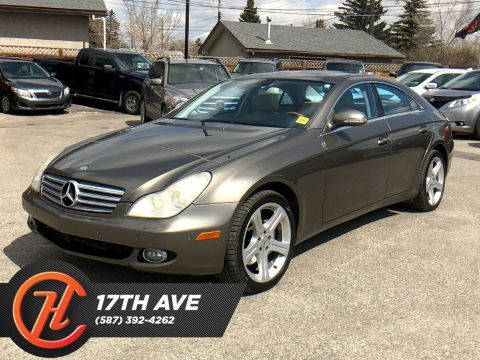 Pre-Owned 2006 Mercedes-Benz CLS Base / Navi / Sunroof / Heated seats